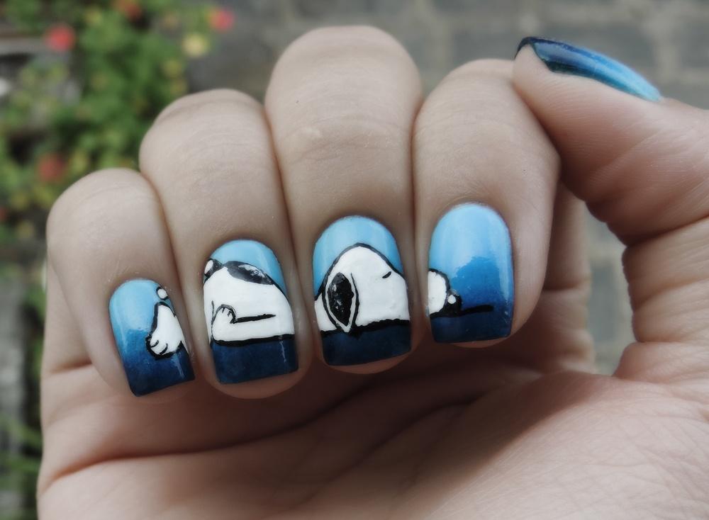 рисунком с лак красивый ногтях на
